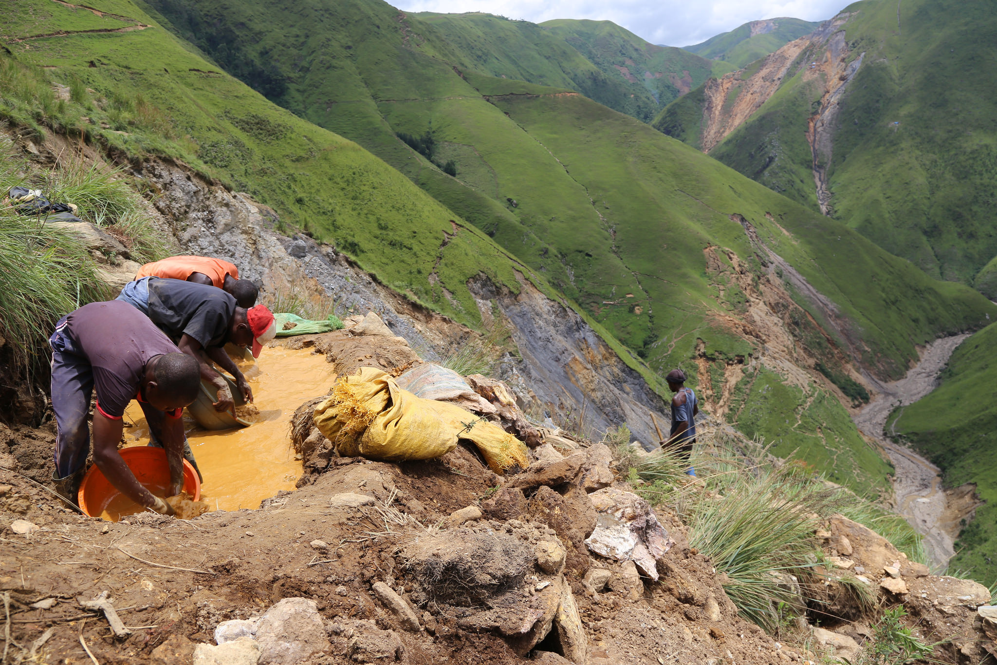 Extractive Industry Transparency Initiative (EITI): Artisanal Small Scale Gold Mining.