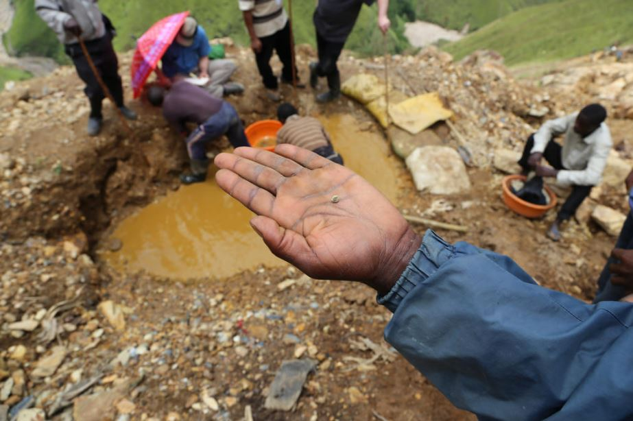 Artisanal Small Scale Gold Mining: Gold Panning in DRC